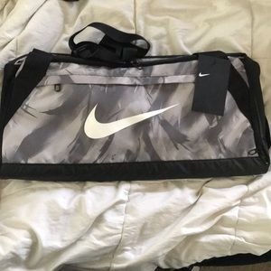Nike Medium Duffle Bag 3723 CU in